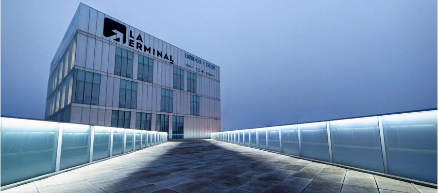 Imagen del edificio Etopia donde se integra La Terminal
